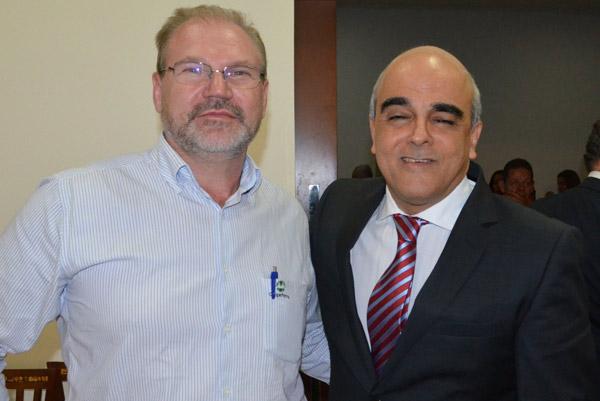 Presidente da Abapa, Celestino Zanella e o desembargador do Tribunal de Justiça da Bahia, Lidivaldo Reaiche Raimundo