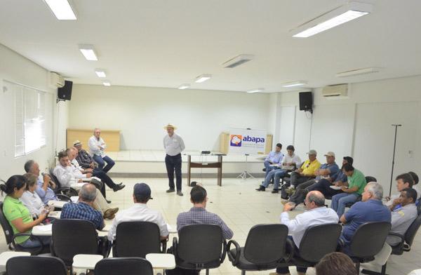 A reunião aconteceu no auditório da Fundação Bahia