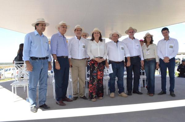A ministra foi recebida por representantes de entidades do agronegócio e autoridades municipais