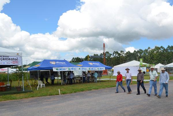 O evento aconteceu na área J&H Sementes, em Rosário
