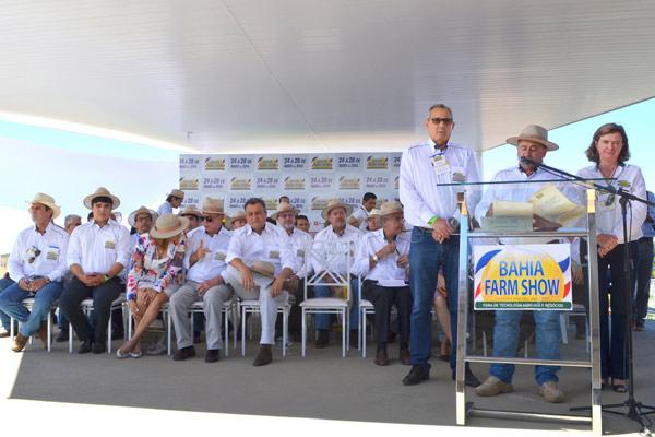 A cerimônia de abertura aconteceu no dia 24, na praça central da feira