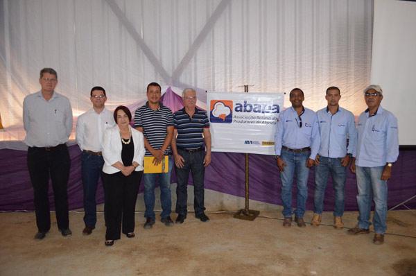 Representantes das entidades: Abapa, Solidariedad, Instituo C&A e Prefeitura de Malhada