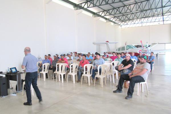 As aulas práticas aconteceram no Hangar da Oeste Manutenção e Reparação de aeronaves